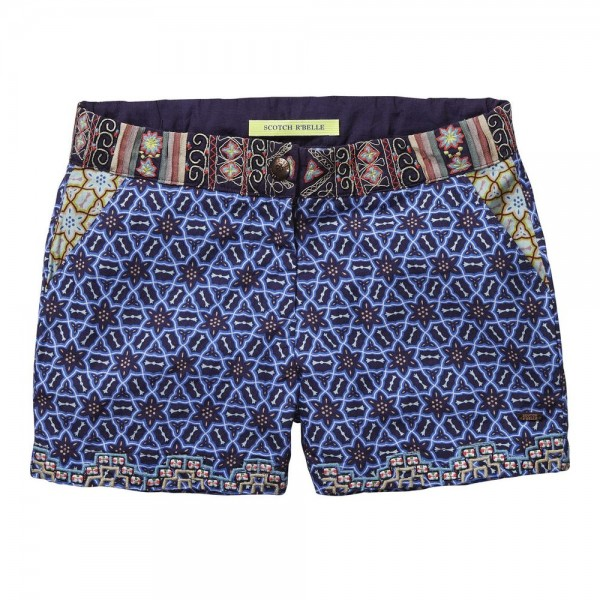 Shorts con bordados