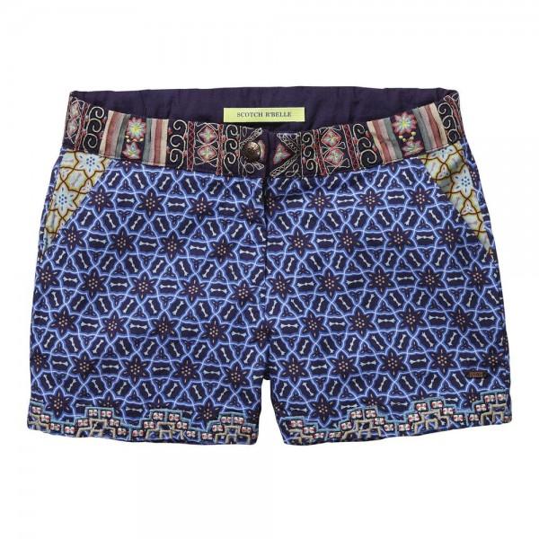 Shorts con bordados